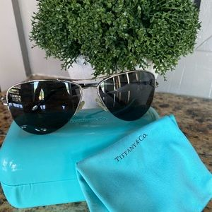 TIFFANY & CO AVIATOR SUNGLASSES